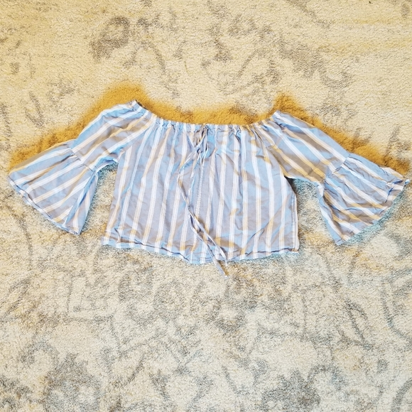 CHARLOTTE RUSSE GOOD BLUE & WHITE BELL ARM SHIRT